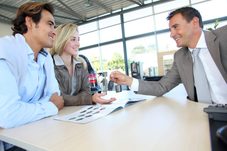What to Look For in Used Car Dealers Before Acquiring a Car